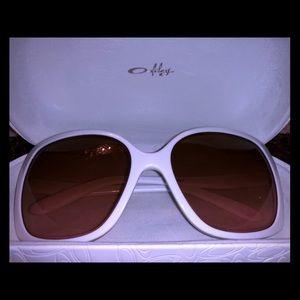 Women's Oversize Sunglasses